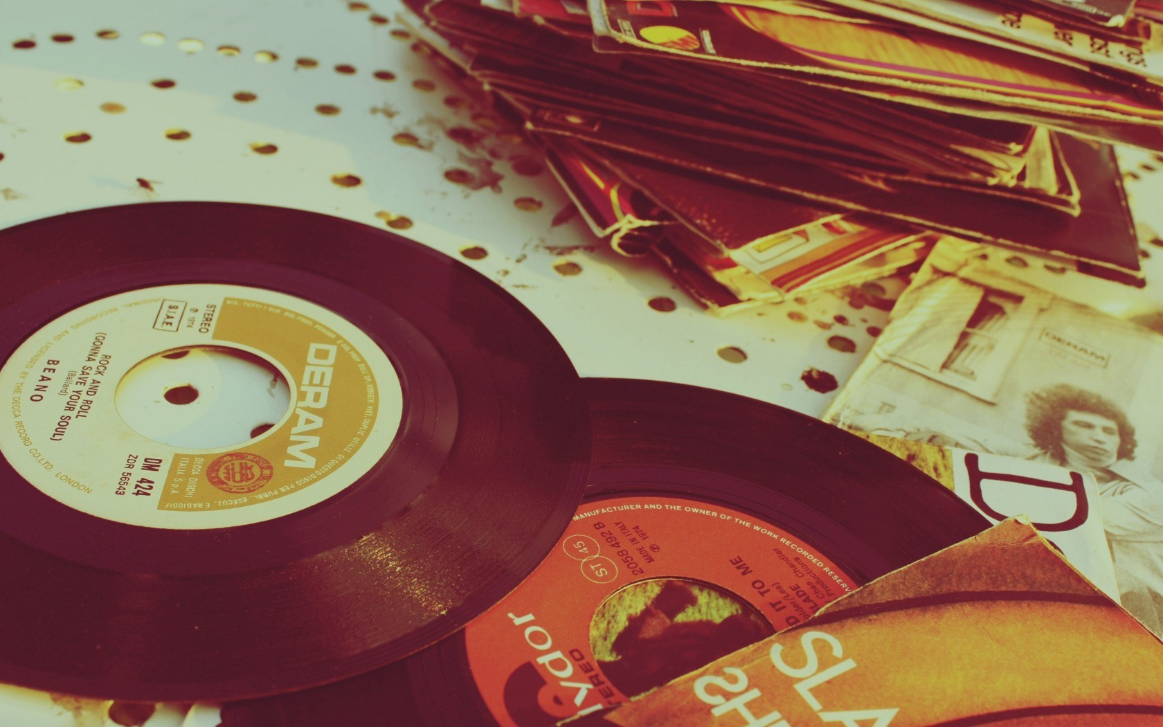 cd-classic-dream-hd-wallpaper-photovintage-record-vinyl – the